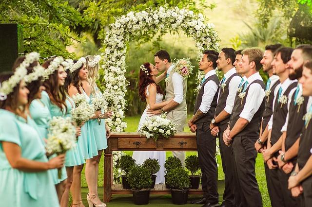 結婚式でサプライズプロポーズ演出